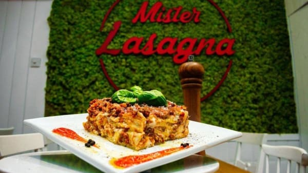 Mister Lasagna City, London
