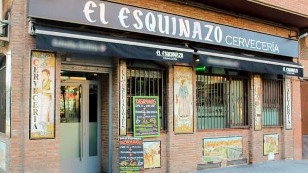 Entrada - El Esquinazo, Leganés