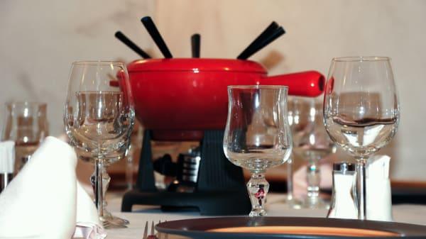 Detalle de la mesa - Cassandra, Madrid