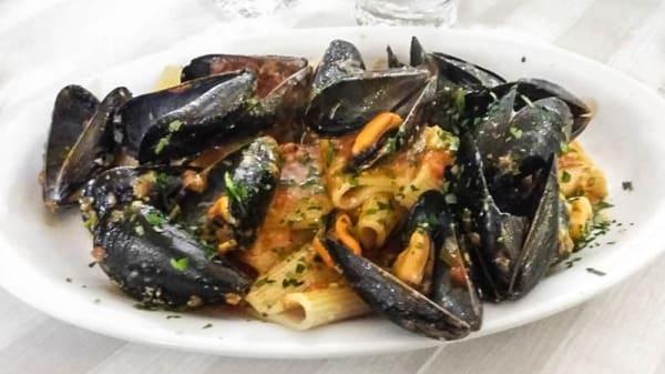Paccheri cozze e pecorino - MaMa, Arzachena