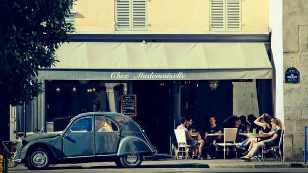 devanture - Chez Mademoiselle, Paris