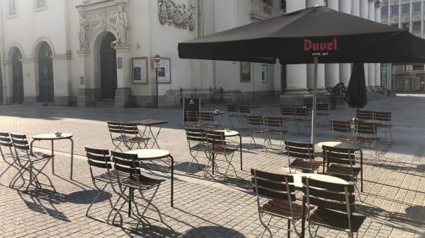 Café de l'Opéra, Brussels