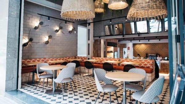 SALA ACRISTALADA - SOMA Healthy Café, Madrid