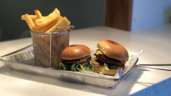 Burger & Chips - Plough Hotel, Mill Park (VIC)