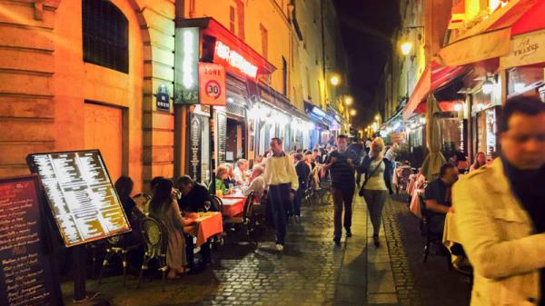 Vue nuit - La Vieille Tour, Paris