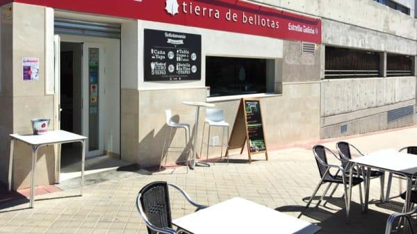 Fachada - Tierra de Bellotas - Las Tablas, Madrid