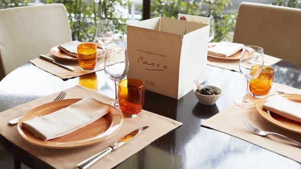 Table dressée - Pasco, Paris