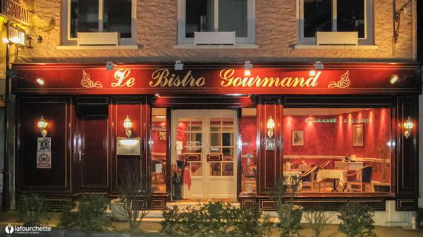 Façade de nuit - Le Bistro Gourmand, Jouars-Pontchartrain