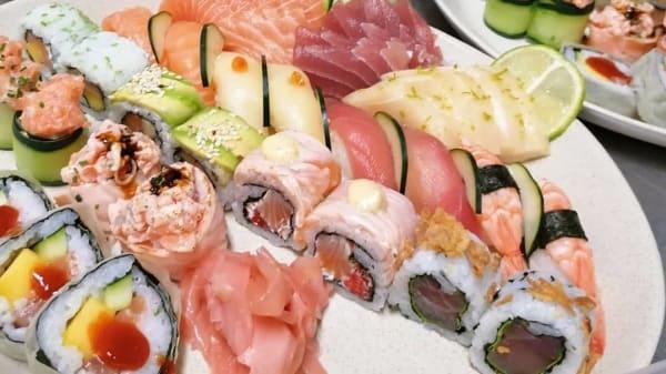 Felicity Restaurant & Sushi Spot, Oeiras