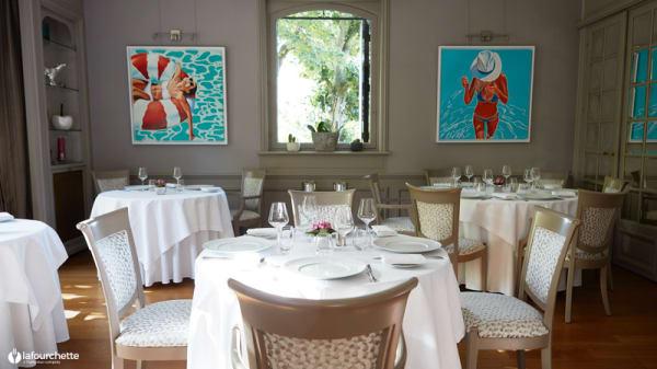 Salle du restaurant - Le Tastevin, Maisons-Laffitte