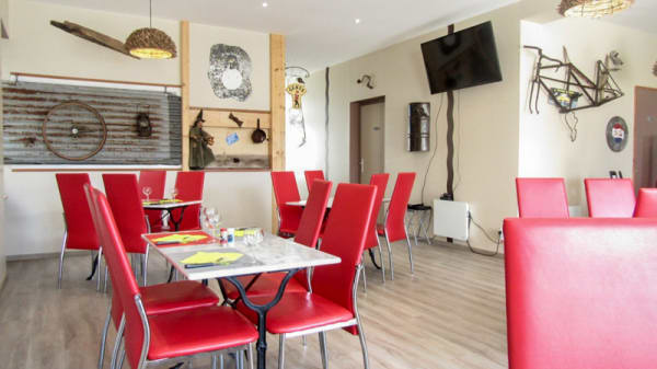 Salle du restaurant - L'Air me R'vient, Saint-Ciers-du-Taillon
