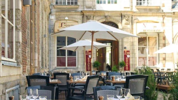 zoom sur la terrasse - L'Assiette du Marché, Lille