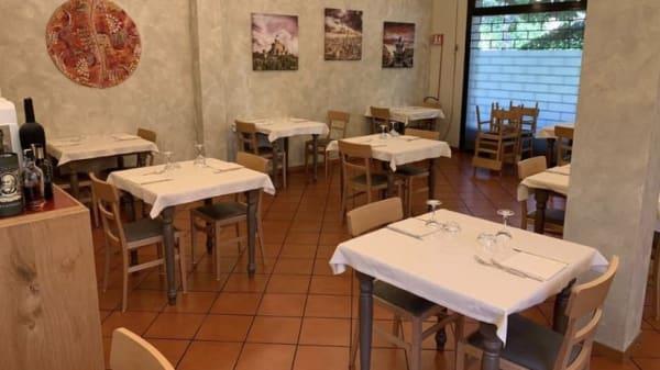 Interno del locale - Da Tania, Cadriano, gra