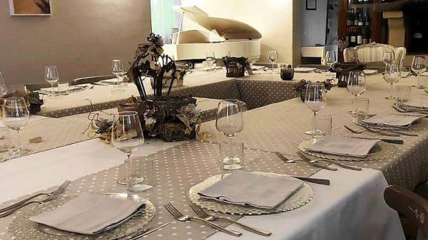 Vista sala - Taverna di Mezzo Alma, Casemurate