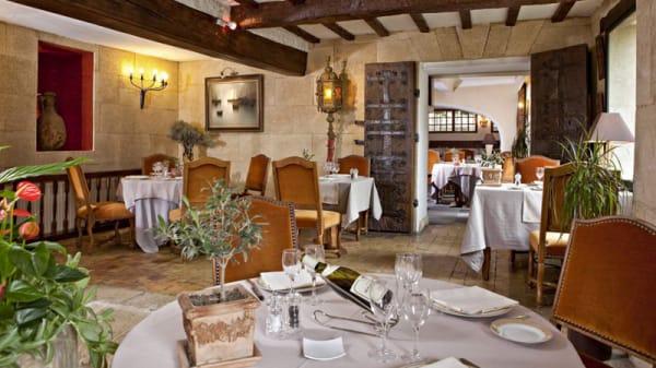 Vue de la salle - Mas d'Entremont, Aix-en-Provence