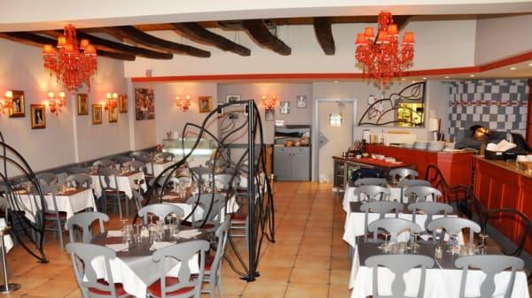 Salle - Caffe Milano, Juan-les-Pins