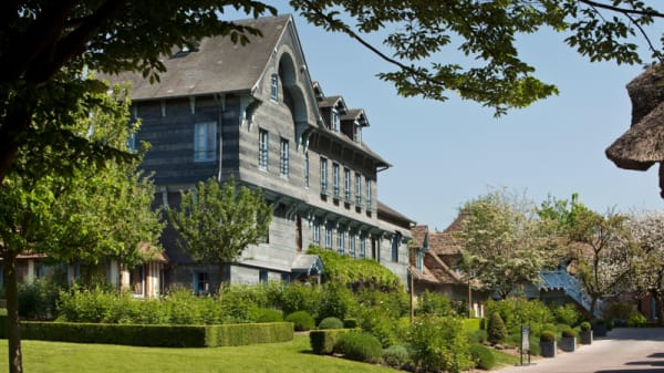 Vue de l'extérieur - Les Impressionnistes - La Ferme Saint Siméon, Honfleur