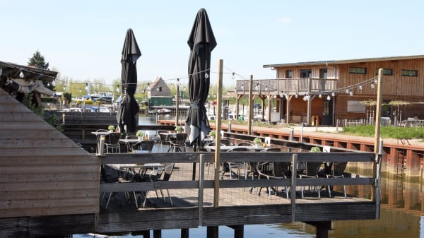 Terras aan het water - Eetcafé Hier is 't, Lage Zwaluwe