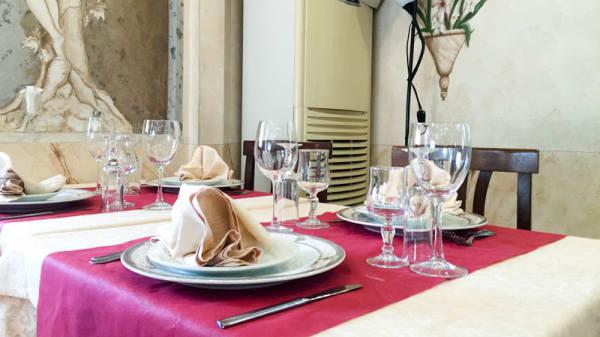 Particolare tavolo - Portobello, Rome