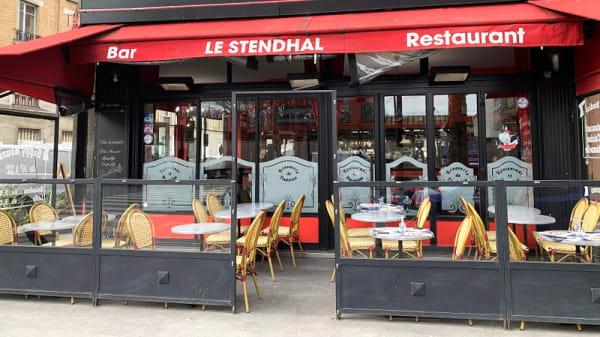 Terrasse - Le Stendhal, Clichy