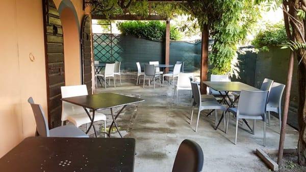 Terrazza - On The Road Pub, Querce al Pino