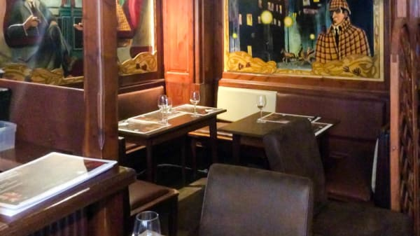 Vue salle - Sherlock Holmes, Mons
