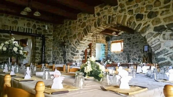 Vista sala - Agriturismo Masseria Campolerose Restaurant, Viggianello