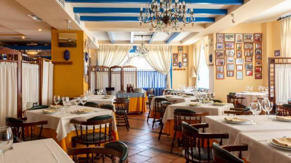 Vista sala - Cabo Roche, Sevilla