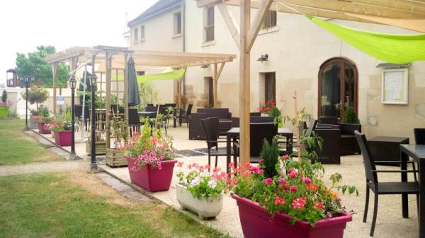 la terrasse d'été - Le Domaine de Presle, Distré