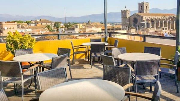 Terraza - Hotel Canet, Castelló d'Empúries