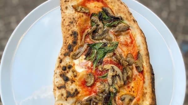 Il Pizzaiolo del Centro Storico, Naples