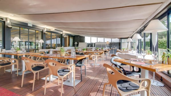 Vue de l'intérieur - Garden View - Restaurant Holiday Inn Cannes, Cannes