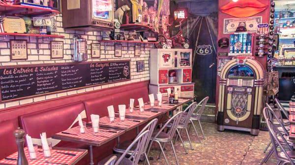 Salle du restaurant - Le Fil Rouge Café, Paris