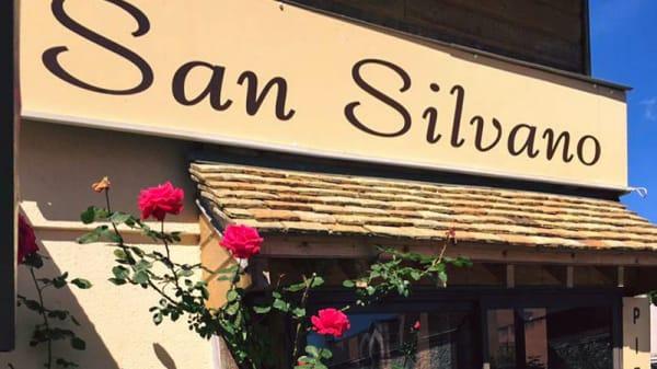 Devanture - San Silvano2, Ivry-la-Bataille