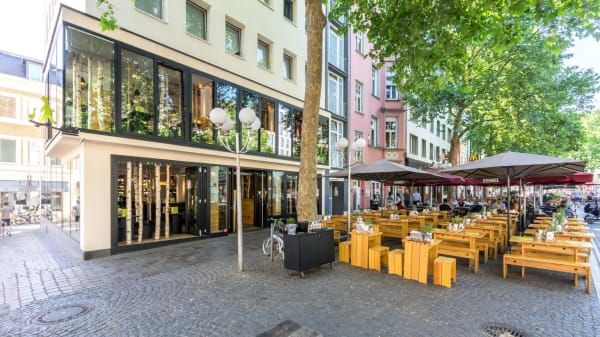 HANS IM GLÜCK Burgergrill & Bar - Bonn FRIEDENSPLATZ, Bonn