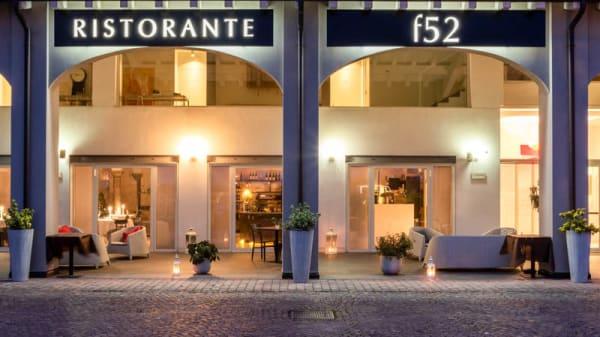 Facciata - F52, Parma