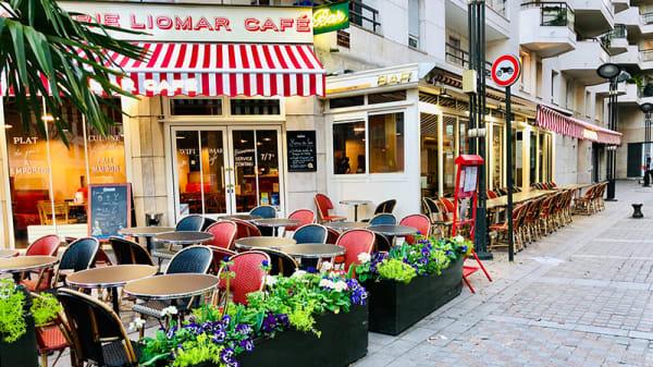 Vue de la terrsse - Liomar Café, Levallois-Perret