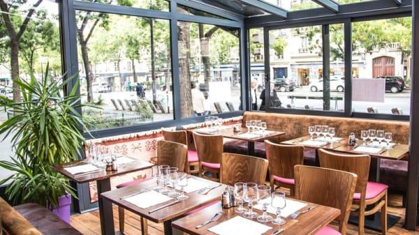 La salle sous baie vitrée - Restaurant Kurde Sersaf, Paris
