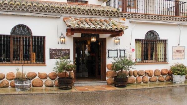 Entrada - Casa Parrilla, Ventas Con Peña Aguilera