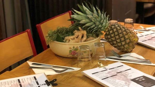 Table dressée - Bahia, Levallois-Perret