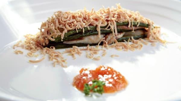 Milhoja de calabacín, foie, boletus y virutas de mi-cuit - Barra de Jose Álvarez, El Ejido