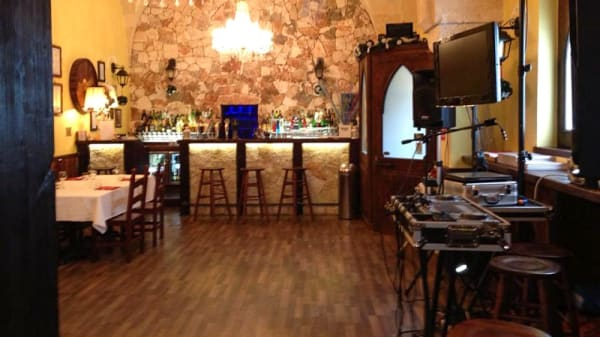 Sala - St Ermin's Ristopub-Pizzeria, Francavilla Fontana