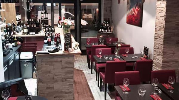 Salle du restaurant - Robe Rouge, Paris