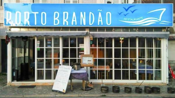 Entrada - Porto Brandão, Caparica