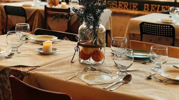 Vista de la sala - La Brasserie de Belén Floristàn, Arguedas