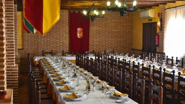 Sala del restaurante - La Posada de Rosa, Hita
