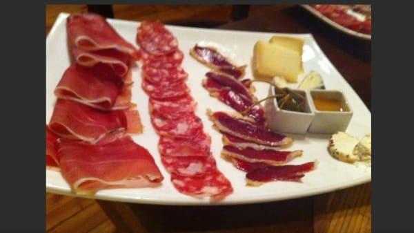 selezione di salumi e formaggi - L'Inganno, Legnano