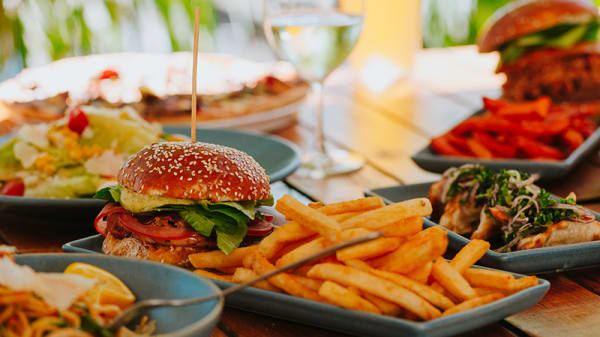 Lunch and Dinner - The Left Bank, East Fremantle (WA)
