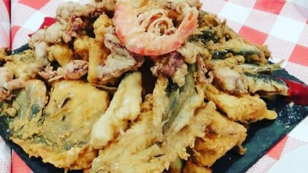 Sugerencia del chef Fritura de pescado - Tapalmeria, Almería