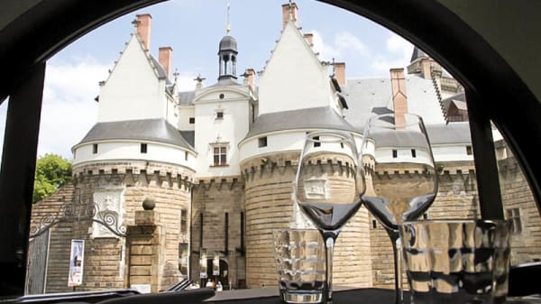 vue imprenable sur le château - Le Bistronome Nantais, Nantes